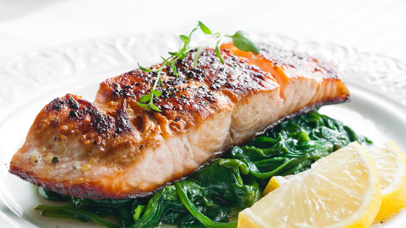 Salmon with Spinach and a Tartare Sauce